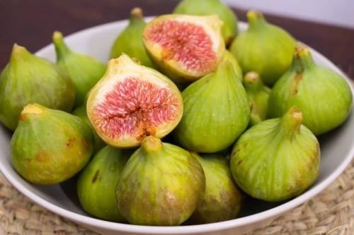 Medium Of How To Eat A Fig