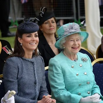 Kate Middleton News  Tips   Guides   Glamour Kate Middleton Borrowed the Queen s Jewelry in Scotland