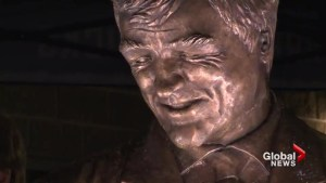 Pat Quinn statue unveiled outside Rogers Arena