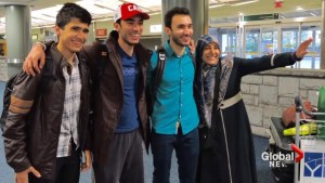 Canadians with dual citizenship allowed into US following Trump's travel ban