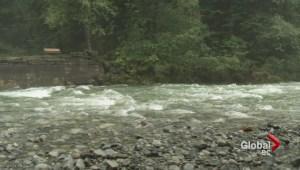 Heavy rains cause dangerous conditions around Metro Vancouver