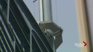 Unstable Trump Tower antenna closes streets downtown