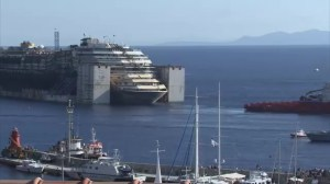 Timelapse of Costa Concordia beginning final voyage