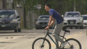 Signals crossed when it comes to cyclists and motorists sharing the road in Winnipeg