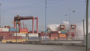 Raw: Chemical fire shuts down Vancouver Port