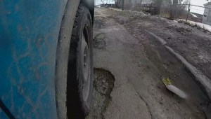 Winnipeg mechanic says pothole problem is the worst he's seen in years