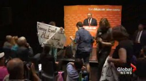 Thomas Mulcair heckled by protesters