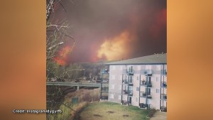 Residents share dramatic video from Fort McMurray widlfire on social media