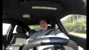 Video of U.S. cop lip syncing Taylor Swift's 'Shake It Off'