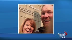 Alberta couple posts #DivorceSelfie