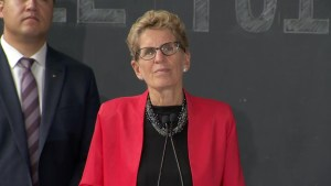 Kathleen Wynne responds to Global News questions surrounding efficacy of proposed Hydro rebate