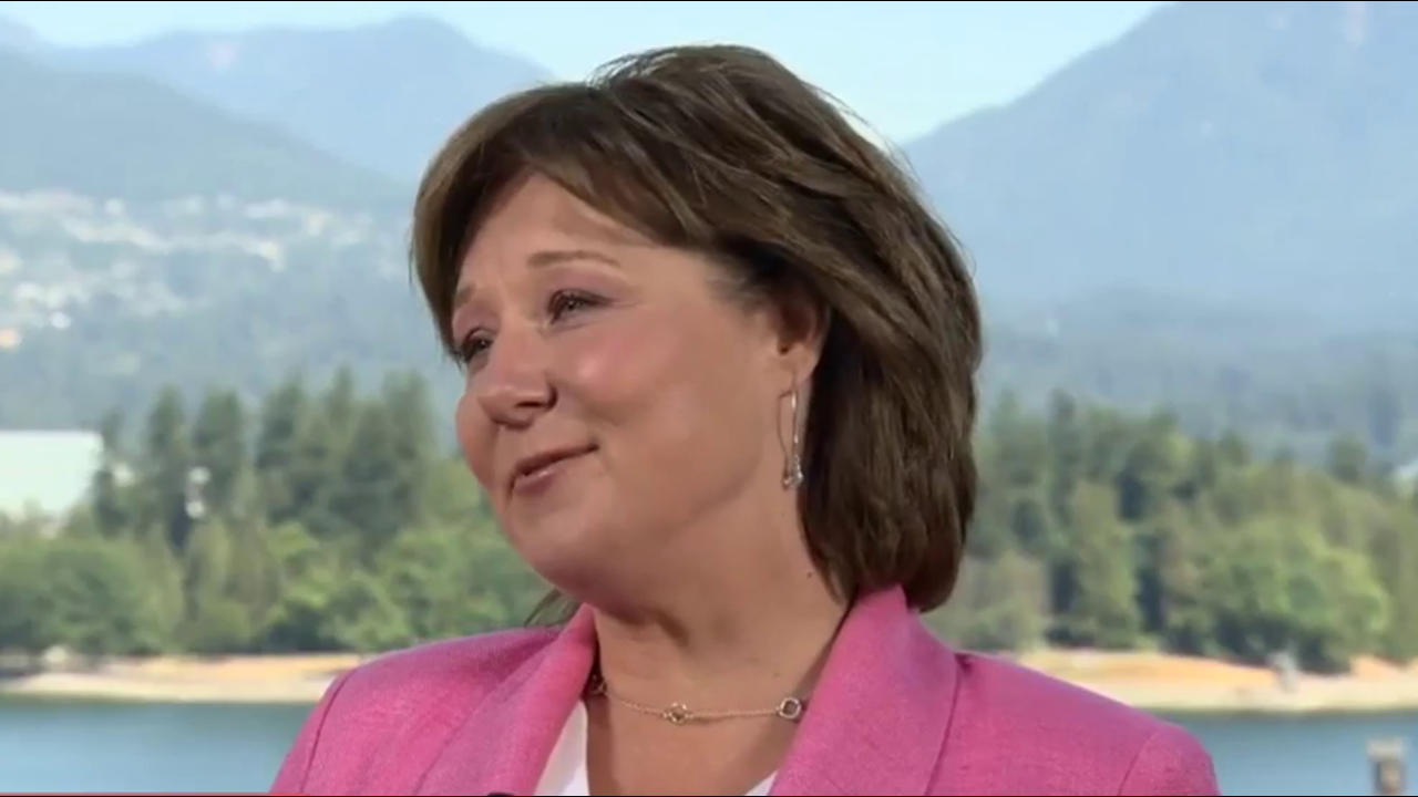 Former BC premier says she had unanimous support from caucus before resigning