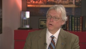 Health Minister Barrette explains medical fees