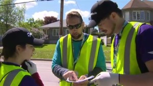 Volunteers lend helping hand to Pierrefonds flood victims
