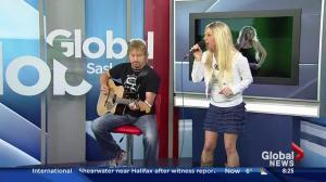 Lisa Moen performs 'Before Sundown'