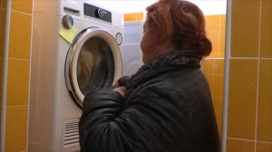 Pope Francis launches free launderette for the poor