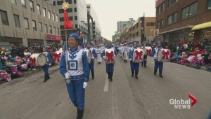Annual Santa Claus parade spreads holiday cheer