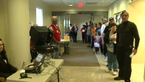 Early voters face long lines in Nevada