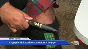 Montreal's Ogilvy's bag-piper gets ticket
