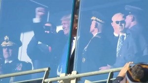 Donald Trump draws cheers at the annual Army-Navy football game