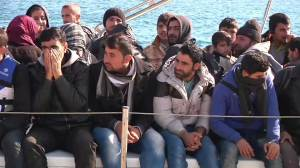 Immigrants from stranded ship arrive in Crete