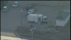 RAW: Winnipeg police bomb squad on scene at hotel