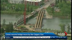 Crews resume 12 Street Zoo Bridge move