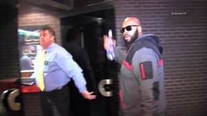"Raw Video: Marion ""Suge"" Knight arrives at sheriff's office"