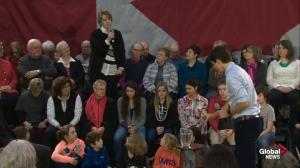 Sobbing woman confronts Justin Trudeau over the cost of her hydro bill
