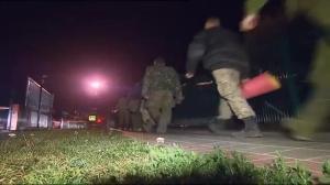 Raw video: Prisoner swap conducted near Russia/Ukraine border