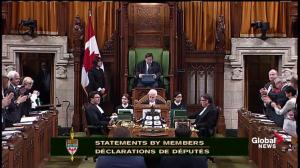 Mauril Bélanger receives standing ovation during Question Period