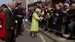 Windsor Castle crowd sings 'Happy Birthday' to the Queen