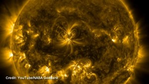 Sun releases X-class solar flare