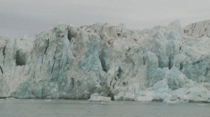 UN Secretary-General says world leaders must act on climate change during visit to Norwegian glaciers