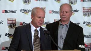 Gordie Howe's sons in disbelief that their father is in Saskatoon for Kinsmen club honour