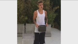 Bieber takes Ice Bucket Challenge