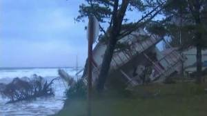 Home falls into sea after storms in Washington