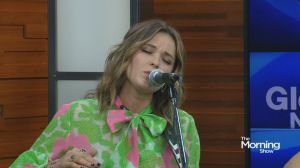Jillian Jacquelin performs 'Reasons' on The Morning Show