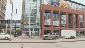 Garth Brooks fans asked to come early to back-to-back Winnipeg concerts