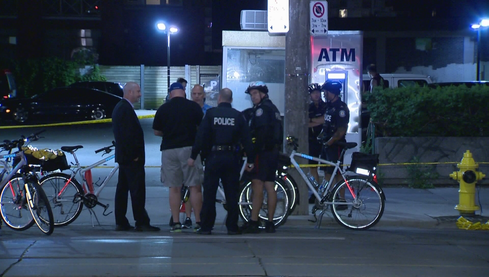 1 injured, 3 in custody after shooting in downtown Toronto