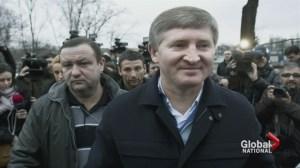 Ukraine billionaire rallies workers