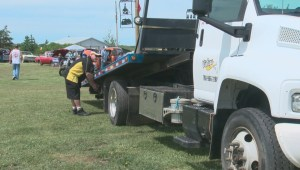 Alberta tow truck operators urge drivers to slow down when passing