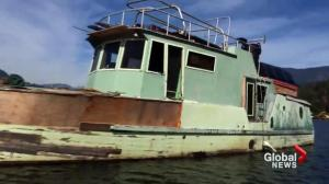 Ottawa pledges to take action on derelict boats