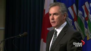 Alberta politicians take pay cut
