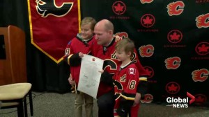 Stay at home defenceman Robyn Regehr to stay in Calgary after retiring as a Flame