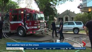 Edmonton firefighters' entry delayed at Parkdale blaze