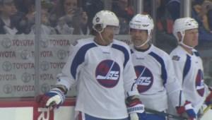Winnipeg Jets, Edmonton Oilers Alumni team take to the ice for practice