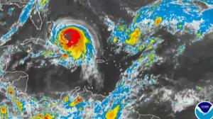 Hurricane Joaquin sweeps across Bahamas, U.S. hit uncertain