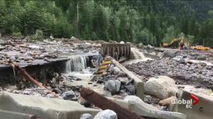 Highway 1 travellers stranded by washout and accident near Revelstoke