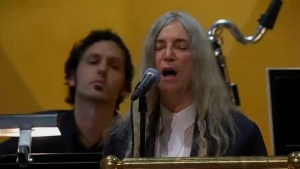 Patti Smith sings Bob Dylan cover 'A Hard Rain's A-Gonna Fall' at Nobel Prize ceremony